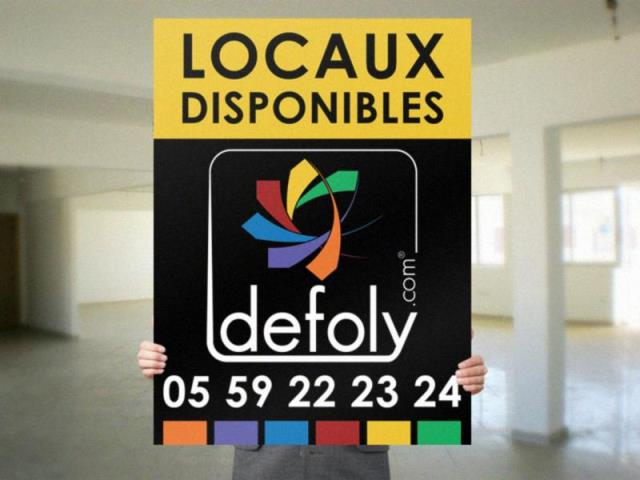 ANGLET - Local professionnel - 1 092 €